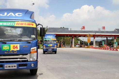 14吨叉车每小时耗油量